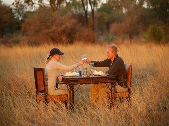 rsz_couples_elegant_dinner