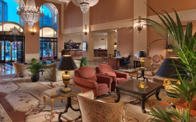 senior traveling discounts with participating hotels