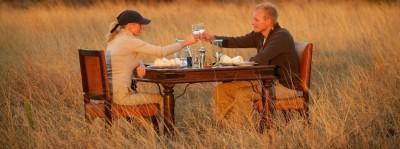 rsz_Africa_couples_elegant_dinner