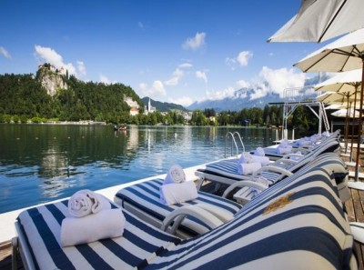 rsz_toplice_lake_bled_striped_chairs