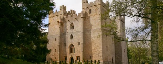 Top Solo Travel Deals-UK Castle Hotels & Manor B&Bs Great Prices for Old World Charm
