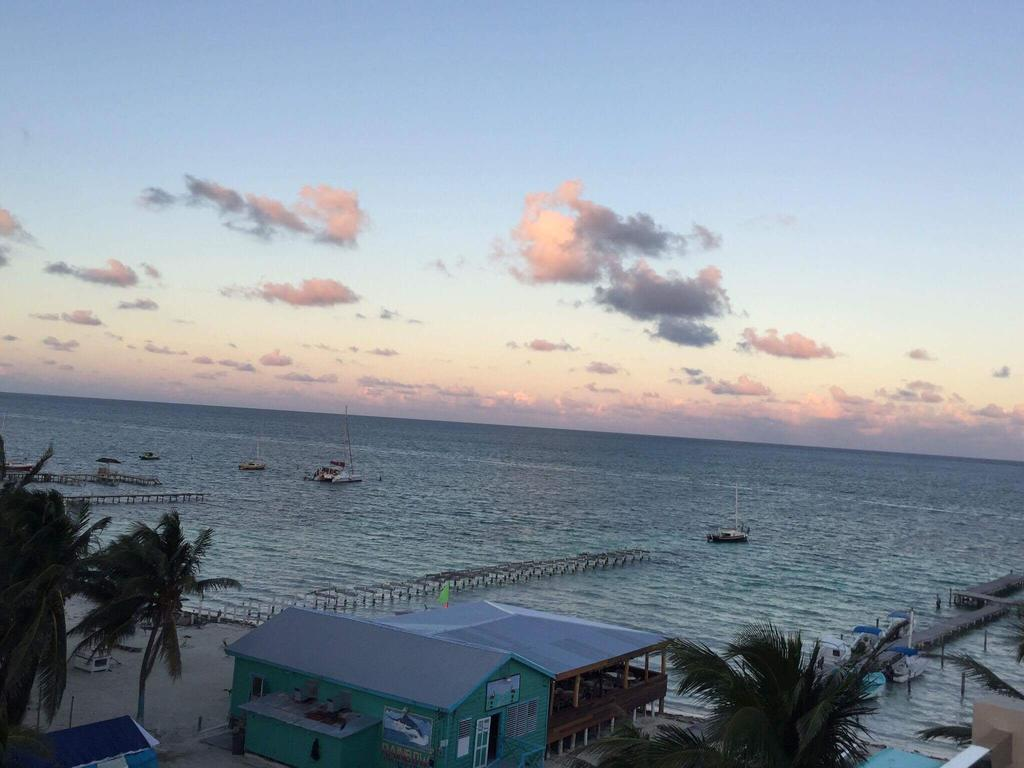 Top Solo Travel Deal Central American Belize Island