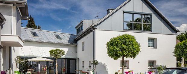 Solo Travel Pricing Tracker Salzburg Austria Mozart Birthplace