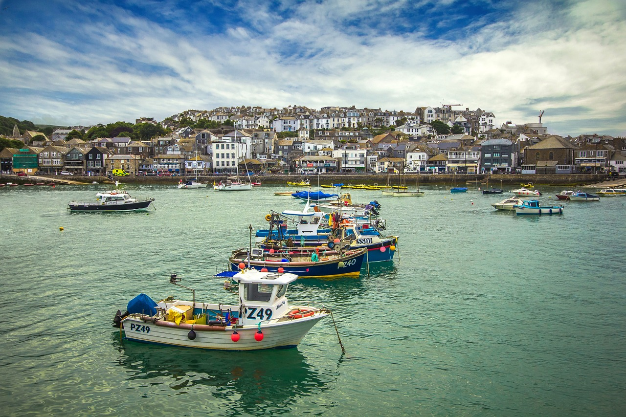 Solo Destination: St. Ives, Seaside Surf Town - solo trekker 4u